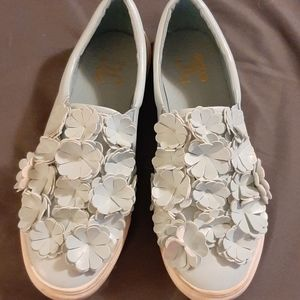 EUC JOURNEE COLLECTION 10 BABY BLUE SLIP ONS
